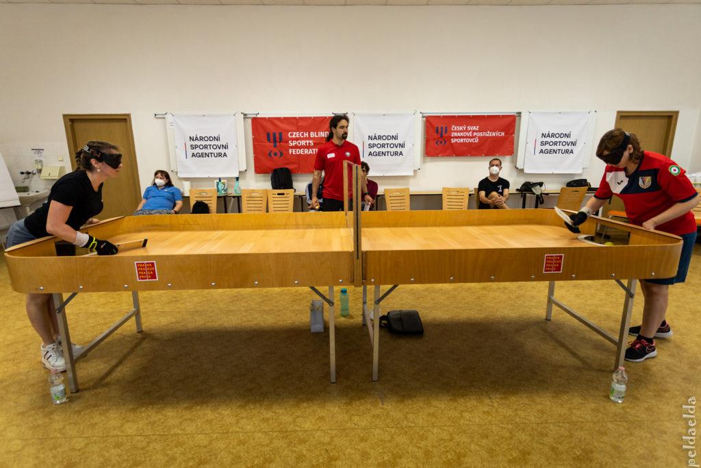 showdownový stůl
